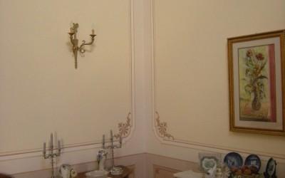 Classical cornice and boiserie