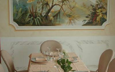 Restaurant panel