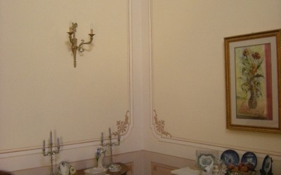 Classical cornice and boiserie